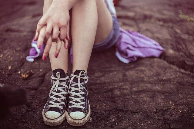 脚のむくみが気になる女性の脚