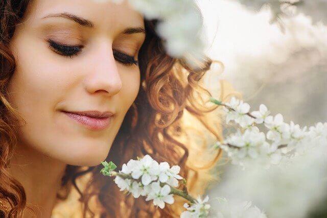 シミやそばかす乾燥対策もして美白の女性