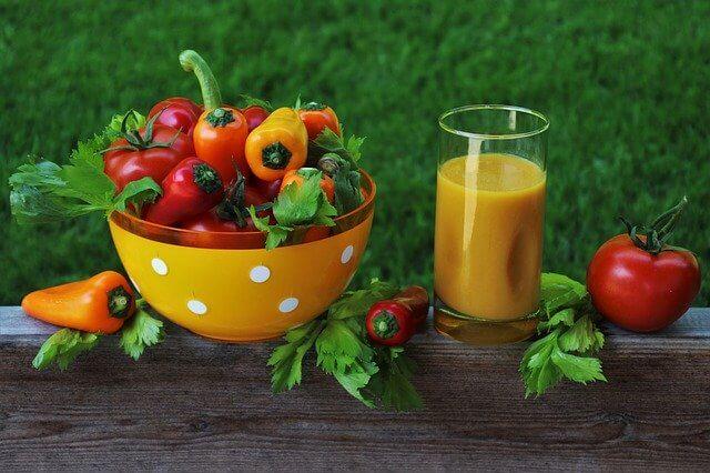 食事で足りない栄養は飲み物で補充
